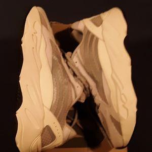 adidas Shoes - YEZZY  STATIC  700